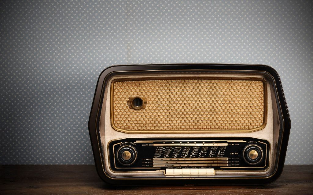 old-radio-wallpaper